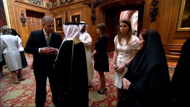 king of bahrain attends queen's diamond jubilee lunch protests at buckingham palace windsor castle photography** hamad bin isa al khalifa king of... - ヨーク公 アンドルー王子点の映像素材/bロール