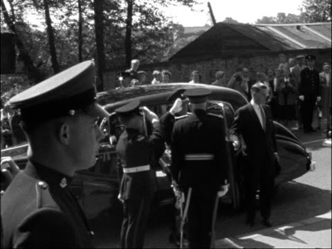 king olav of norway visits richmond in yorkshire england yorkshire richmond ext king olav v of norway out of car king olav saluting and shaking hands... - 1959 stock-videos und b-roll-filmmaterial