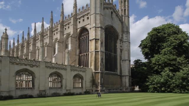 king´s college chapel, cambridge, cambridgeshire, england, uk, europe - king's college cambridge stock videos & royalty-free footage