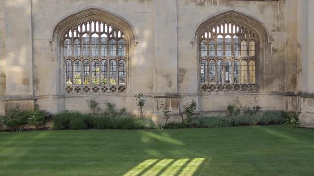 "king'ã""ã´s college on king'ã""ã´s parade, cambridge, cambridgeshire, england, uk, europe - cambridge university stock videos & royalty-free footage"