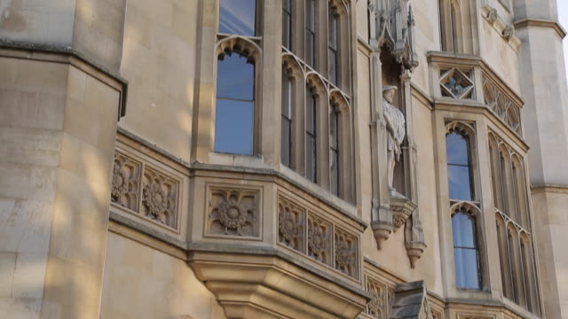 king´s college on king´s parade, cambridge, cambridgeshire, england, uk, europe - king's college cambridge stock videos and b-roll footage