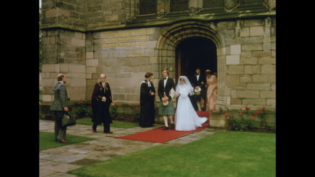 1981 king's college, part of the university of aberdeen, scotland - aberdeen schottland stock-videos und b-roll-filmmaterial