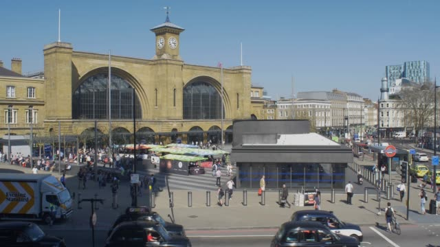 kings cross station exterior - history stock videos & royalty-free footage