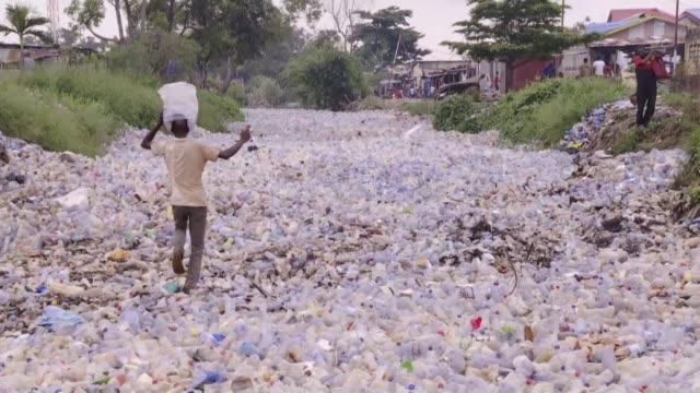 DRC: Kinshasa residents decry rivers of plastic waste