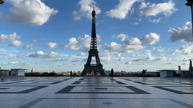 kiosk is seen closed on the trocadero square during the second national lockdown as part of the covid-19 measures to fight a second wave of the... - booth stock videos & royalty-free footage