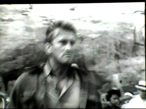 kirk douglas retrospective short film at the palm springs international film society and its international film festival present a douglas family... - 俳優 カーク・ダグラス点の映像素材/bロール