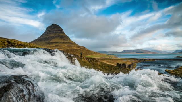 ZEITLUPE : Kirkjufell Island-planschen Wasser