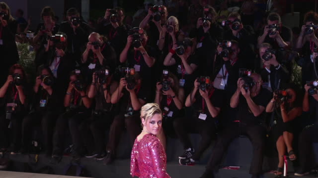 vídeos y material grabado en eventos de stock de the 76th venice film festival on august 26 2019 in venice italy - formato de archivo gif