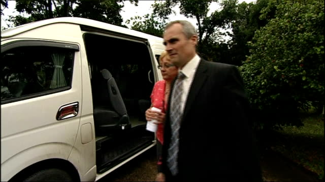kirsty jones unsolved murder: new dna evidence gives hope of breakthrough; file / 9th august 2012 chiang mai: ext sue jones out of mini van on... - vangen stock-videos und b-roll-filmmaterial