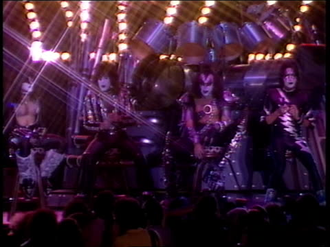 stockvideo's en b-roll-footage met kiss on their new stage for the creatures of the night tour take questions from the press about their history and their up coming tour - gene simmons