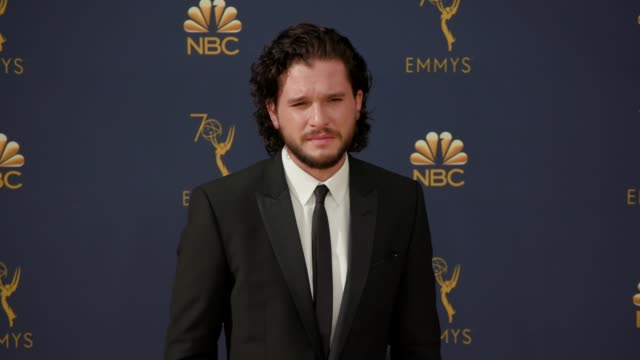 kit harington at the 70th emmy awards arrivals at microsoft theater on september 17 2018 in los angeles california - emmy awards stock videos & royalty-free footage