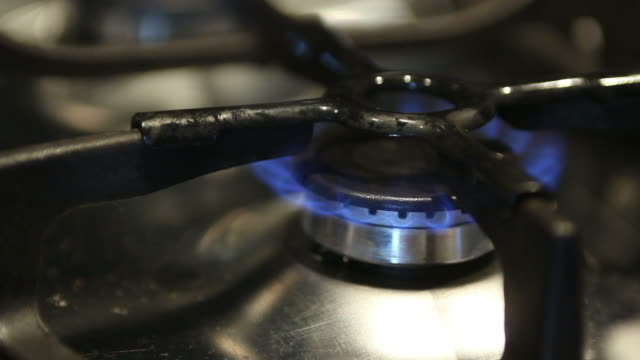 kitchen gas stove that turns on