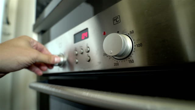 kitchen oven - 4k resolution - oven stock videos & royalty-free footage