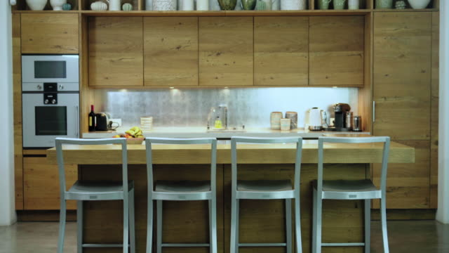 vidéos et rushes de kitchen - en bois