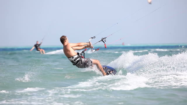 stockvideo's en b-roll-footage met kiteboarding - midden oosterse etniciteit
