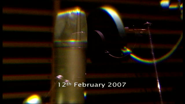 mark prince special report 1222007 chiswick metropolis studios int *copyright music heard over succeeding shots sot** recording studio equipment - itv london tonight点の映像素材/bロール