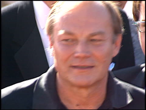 klaus maria brandauer at the 2000 emmy awards at the shrine auditorium in los angeles, california on september 10, 2000. - shrine auditorium video stock e b–roll
