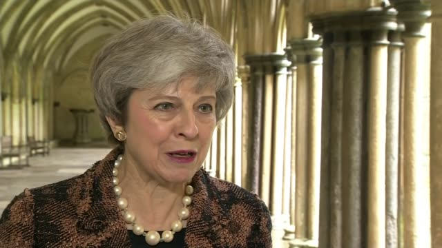 stockvideo's en b-roll-footage met theresa may denies link to police cuts england wiltshire salisbury ext theresa may mp interview sot if you look at the figures what you see is that... - schakel