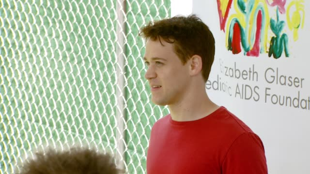 tr knight at the 'a time for heroes' carnival to benefit the elizabeth glaser pediatric aids foundation at wadsworth theatre in los angeles... - アタイムフォーヒーローズ点の映像素材/bロール