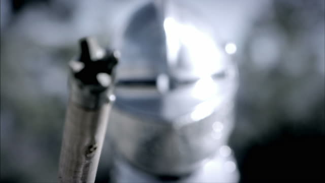 a knight holds his lance before a joust. - concorrente video stock e b–roll