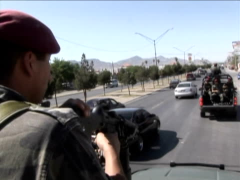 known as 'boinas rojas' these units are part of the mexican government's ongoing war against drug cartels - machine gun stock videos & royalty-free footage