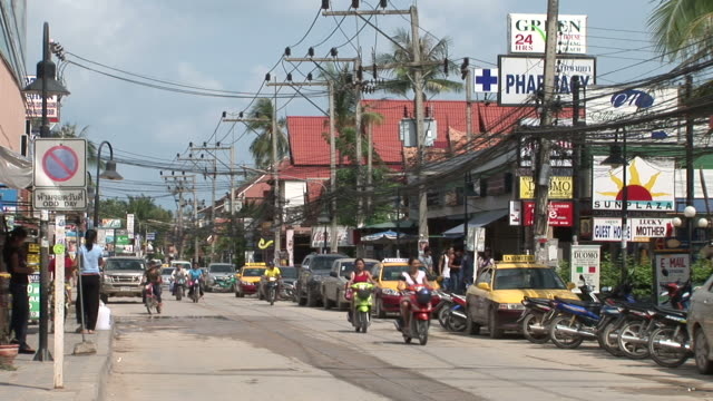 ko samui, thailandview of city street in ko samui thailand - no parking sign stock videos & royalty-free footage