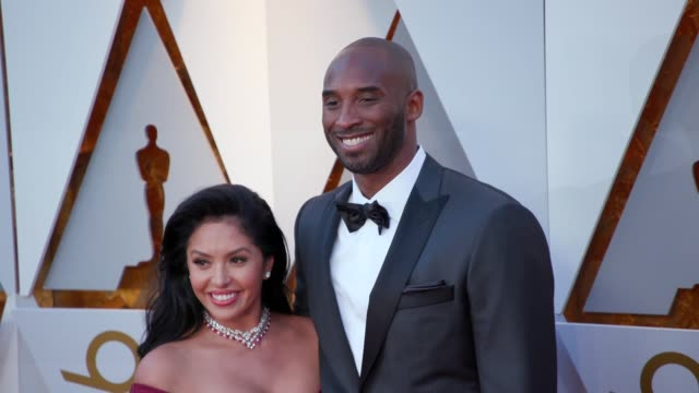 stockvideo's en b-roll-footage met kobe bryant and vanessa laine bryant at the 90th academy awards arrivals at dolby theatre on march 04 2018 in hollywood california - kobe and vanessa bryant