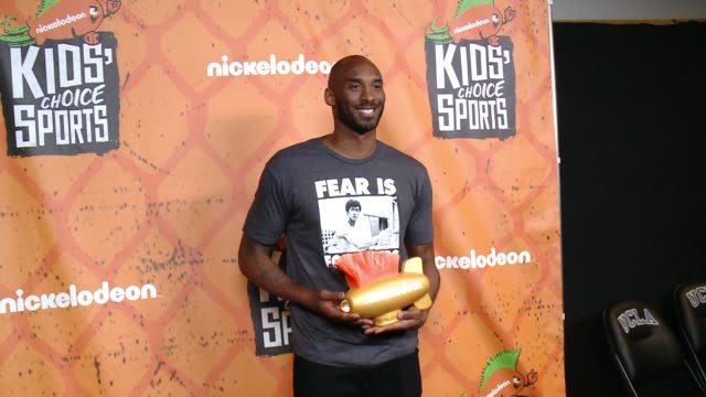 kobe bryant at the nickelodeon kids' choice sports awards 2016 at ucla's pauley pavilion on july 14 2016 in westwood california - kobe bryant stock videos & royalty-free footage