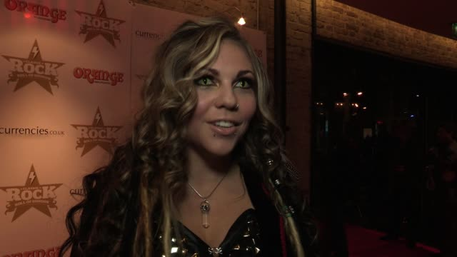 kobra talks about her totally unique appearance and who she is looking forward to seeing tonight interview kobra at the roundhouse on november 09... - öffentlicher auftritt stock-videos und b-roll-filmmaterial