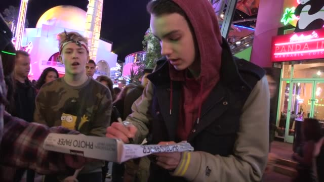 kodi smit-mcphee greets fans at universal city, 03/30/13 - universal city stock videos & royalty-free footage