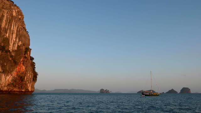 vídeos de stock e filmes b-roll de koh hong island in phang nga bay, thailand - mar de andamão