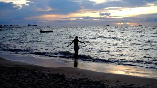 Koh Tao - Koh Tao is an island in the Gulf of Thailand. In the province of Surat Thani