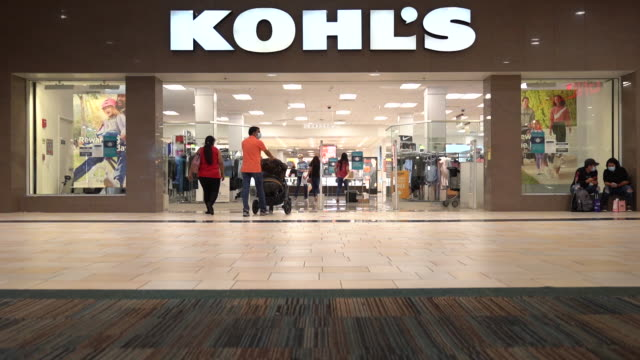 vídeos y material grabado en eventos de stock de kohl's is scheduled to release earnings figures on august 18 in jersey city new jersey us on sunday august 16 2020 - escritura occidental