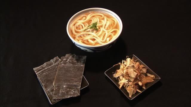 kombu, katsuobushi, and kake udon - servierfertig stock-videos und b-roll-filmmaterial