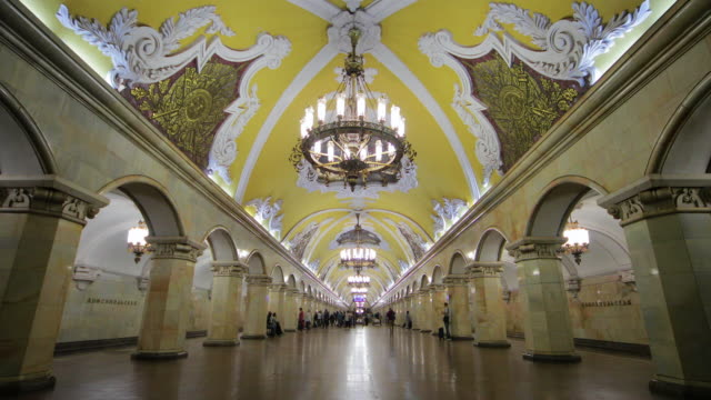 komsomolskaya metro station, moscow, russia - moscow russia stock-videos und b-roll-filmmaterial