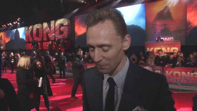 clean 'kong skull island' european premiere at cineworld leicester square on march 28 2017 in london england - キングコング 髑髏島の巨神点の映像素材/bロール