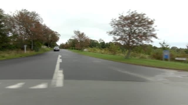 vidéos et rushes de kongevejen danemark ix série synchronisée plaque de conduite de vue droite - part of a series