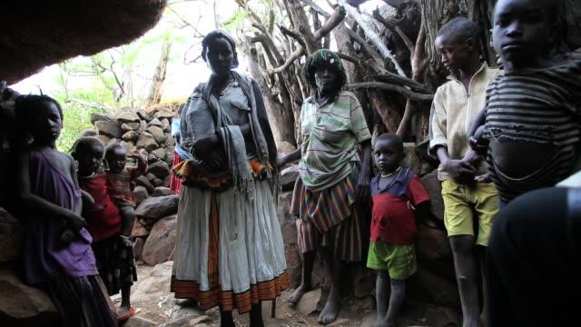 konso tribe 1 - etnia video stock e b–roll