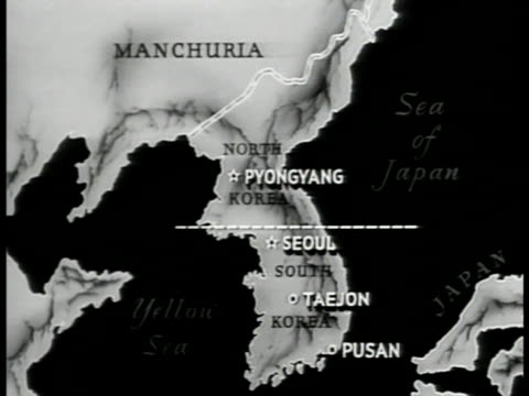 map korea north south divide animated arrow of north attacking - mandschurei stock-videos und b-roll-filmmaterial