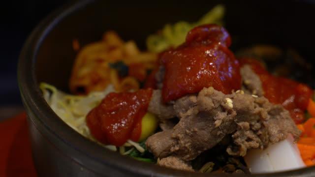 vídeos y material grabado en eventos de stock de comida tradicional coreana - comida coreana