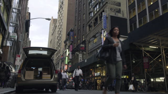 koreatown - new york - ワイドショット点の映像素材/bロール