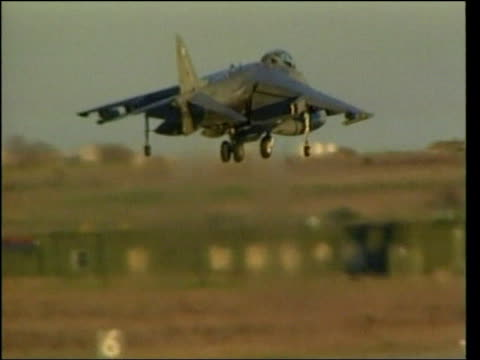 bombing/ceasefire offer - serbia; kosovo: nato bombing/ceasefire offer - serbia; lib italy: gioia del colle: ext raf harrier aircraft landing tx... - serbien stock-videos und b-roll-filmmaterial
