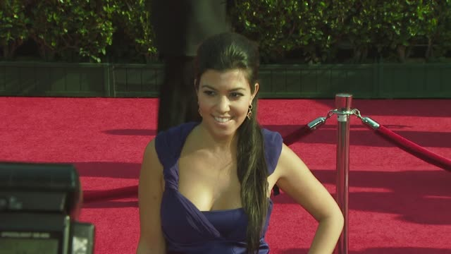 vídeos de stock, filmes e b-roll de kourtney kardashian at the 2008 espy awards at los angeles ca - espy awards