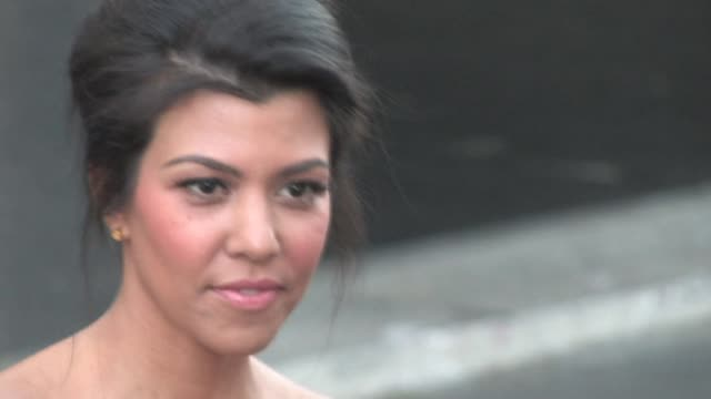 kourtney kardashian at the 9.02.10 beverly hills celebration at the celebrity sightings in los angeles at los angeles ca. - beverly hills点の映像素材/bロール