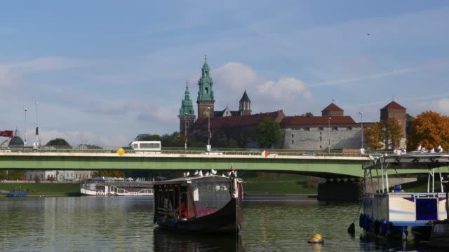 stockvideo's en b-roll-footage met krakow stad - voor anker gaan