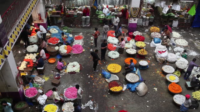 vidéos et rushes de krishna rajendra market also known as kr market in bengaluru india on tuesday july 17 2018 - composition florale