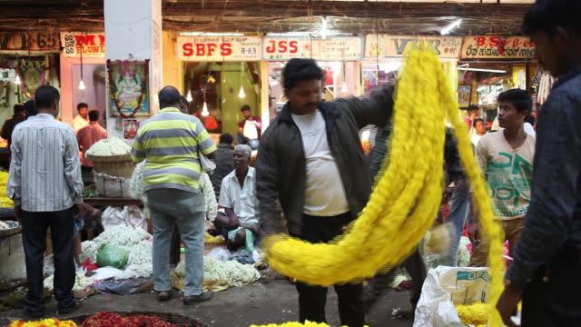 vídeos y material grabado en eventos de stock de krishna rajendra market also known as kr market in bengaluru india on tuesday july 17 2018 - krishna