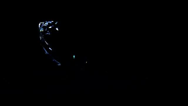 vidéos et rushes de réception kristal dans l'obscurité - diamand