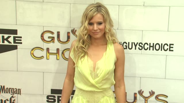 kristen bell at 2012 guys choice awards at sony pictures studios on june 02 2012 in culver city california - kristen bell stock videos and b-roll footage