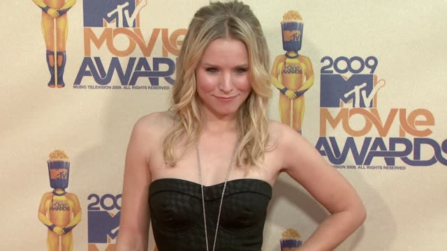 Kristen Bell at the 18th Annual MTV Movie Awards at Universal City CA